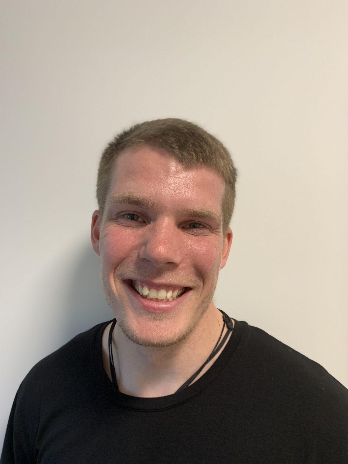 Emil Valdemar, Kiropraktorstuderende og massør